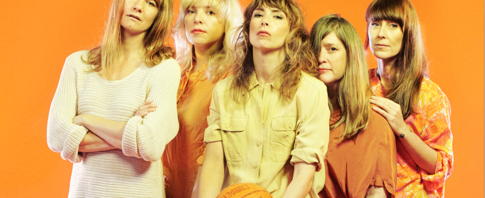 "Beaches share music video for ""Void"" via Clash"