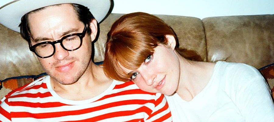 "La Sera shares cover of Led Zeppelin's ""Whole Lotta Love"" from new Queens EP & launch tour next week"