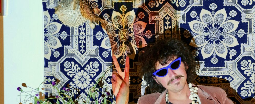 """Jonny Kosmo shares the second track and video """"Strawberry Vision"""" feat. Kassie Carlson of Guerilla Toss"""